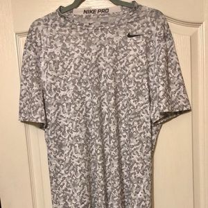 Nike fitted athletic tee shirt